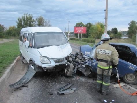 Пассажирская «Газель» угодила в трагедию вТульской области