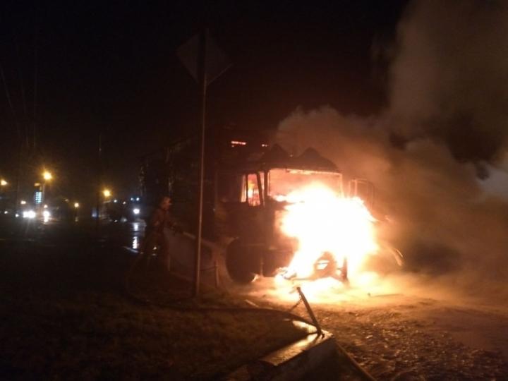 Вдеревне Харино сгорел грузовой автомобиль