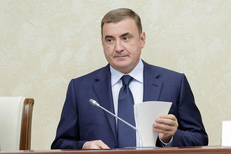 Политологи: поддержка В. Путина обеспечила Дюмину 2 место врейтинге устойчивости губернаторов