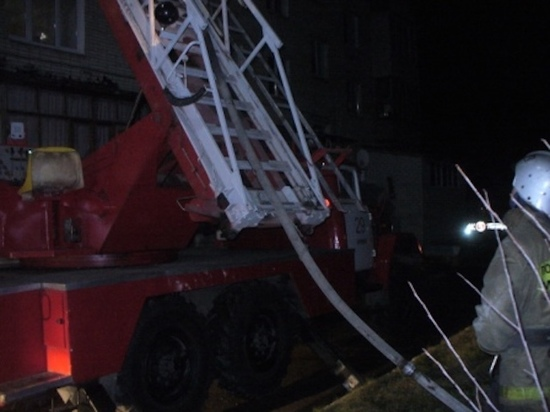 ВЕфремове пожарные вывели 5 человек изгорящего здания