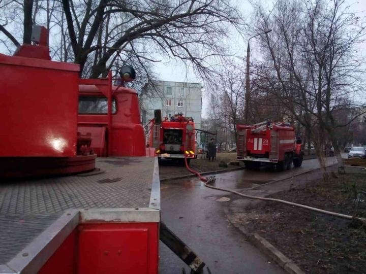 2-х человек спасли, один пострадал напожаре вКимовске