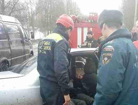 НаОрловском шоссе легковушка протаранила автобус